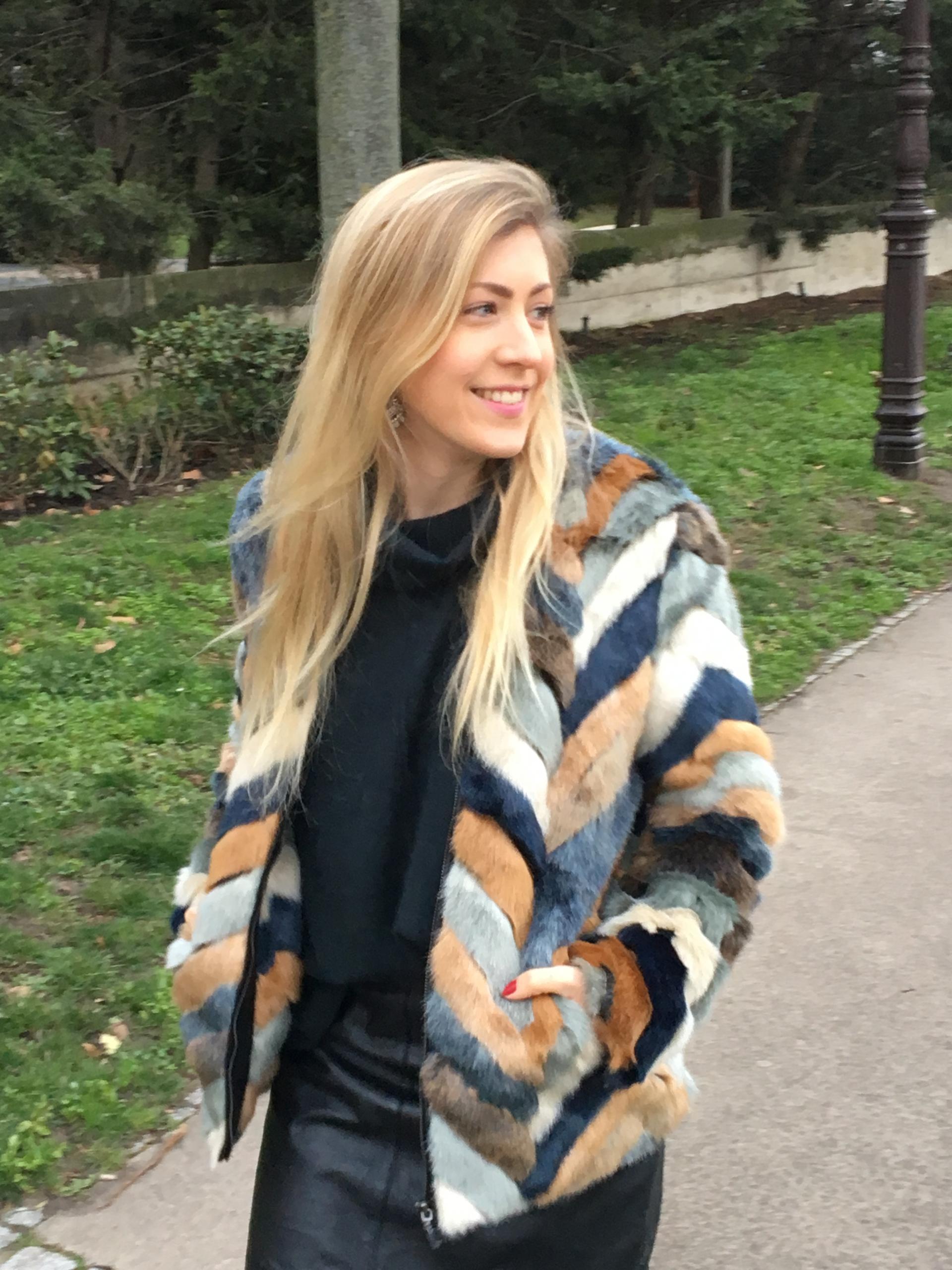 Mon beau manteau en fausse fourrure _ image 3