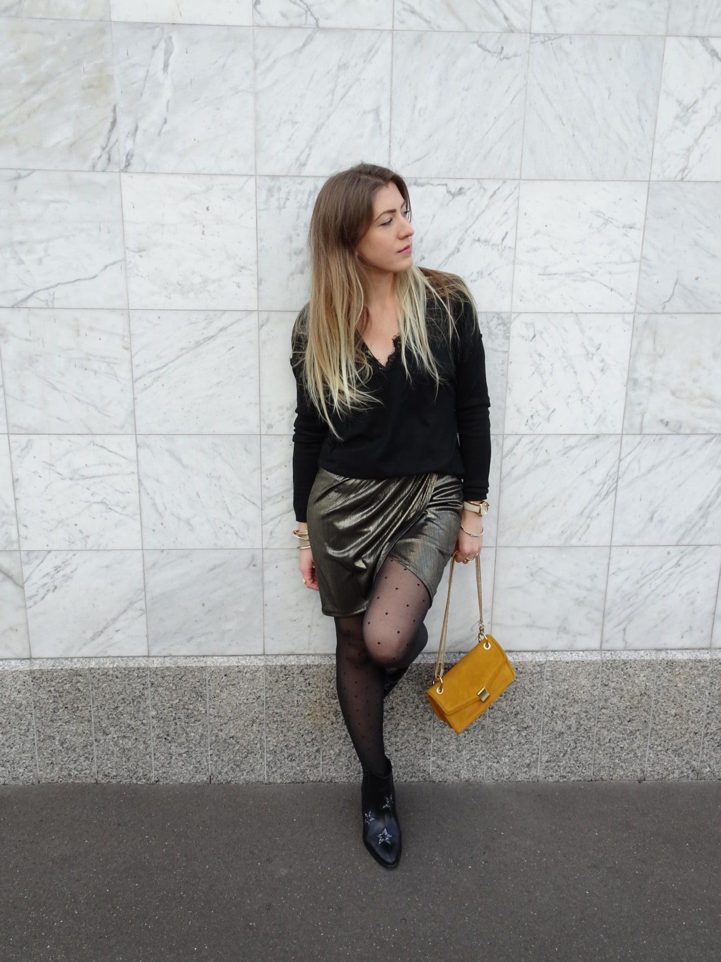 Look & Astuces – Comment porter la robe dorée en journée